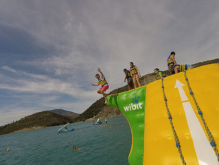 Sail, swim, paddle.... endless fun in the Lac de Castillon