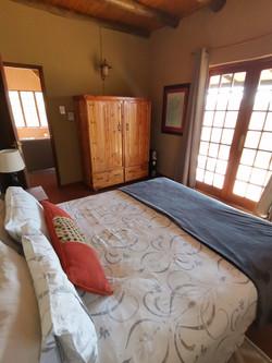 Fish Eagle Cottage Main Bedroom (1)