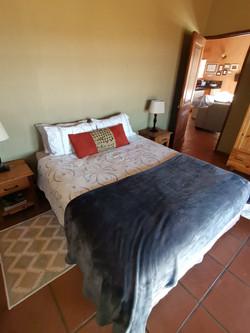 Fish Eagle Cottage Main Bedroom (9)