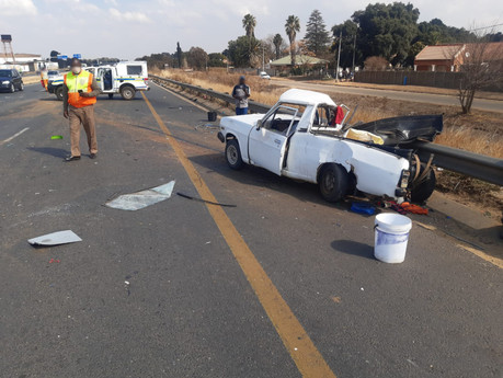 Truck collision on the R59 in Vereeniging kills a man and a young boy