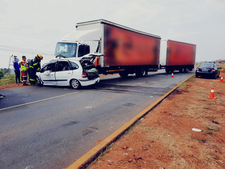Man killed in collision with truck along Old Vereeniging Road