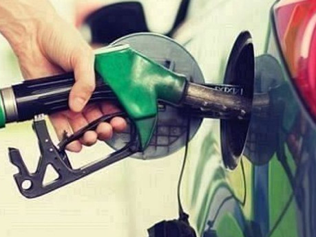 The AA says fuel prices are expected to drop in May