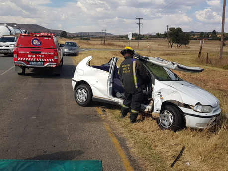 Two-vehicle collision leaves four injured in Meyerton