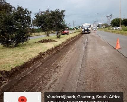 Premier Makhura vows that more roads will be fixed in Sedibeng