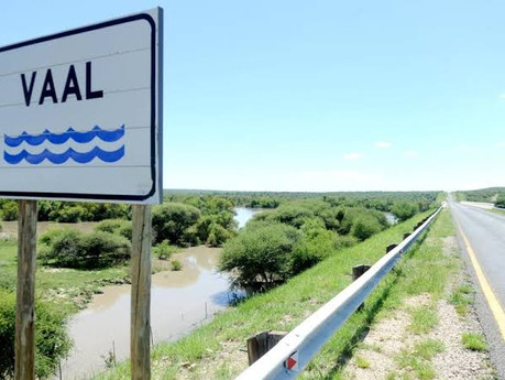 Minister meets with Emfuleni Mayor after SAHRC report on Vaal River pollution