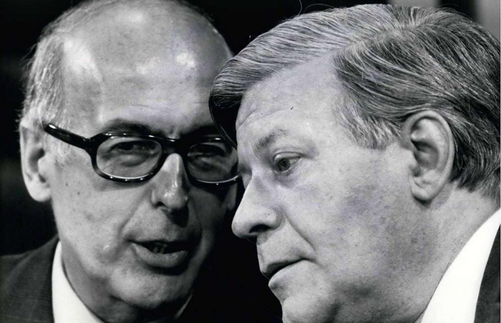 Die beiden Spitzenpolitiker Valéry Giscard d'Estaing (li.) und Helmut Schmidt schätzten einander – auch wenn sie unterschiedlichen politischen Lagern angehörten. Foto: imago/Zuma. Quelle: Stuttgarter Zeitung