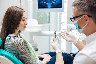 Zahnimplantat-Beratung-Schwäbisch-Hall.