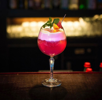Ollis-Cocktailbar-SHA_Cocktailmood_2.jpg