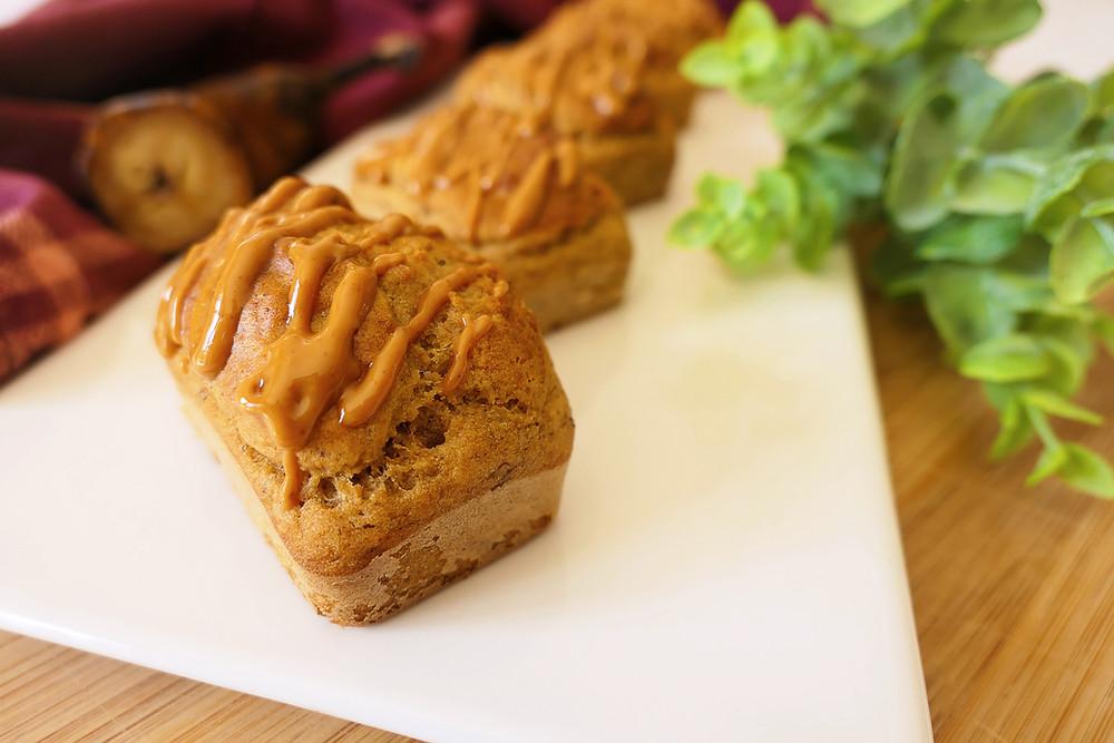 minis cakes facon banana bread au beurre de cacahuete et psyllium