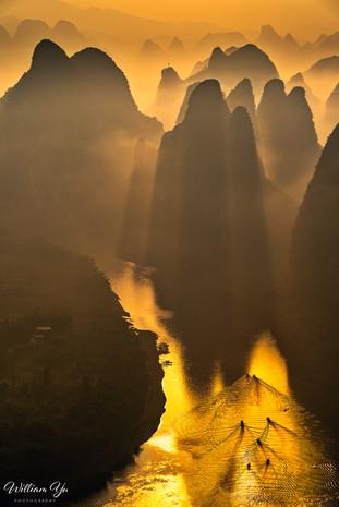 Moring Light over Li River