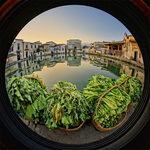A fisheye image of morning in Hongcun village