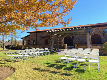 An example what an outdoor wedding would look like under our pergola!