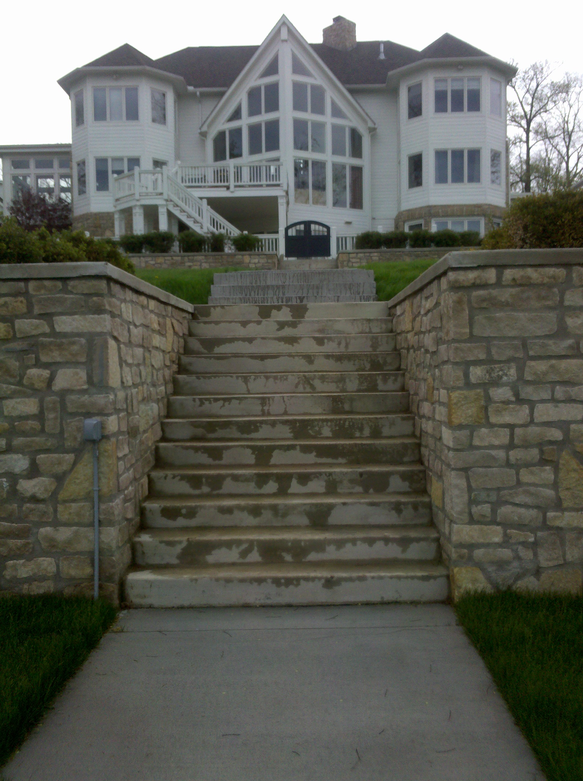Retaining Walls / Steps
