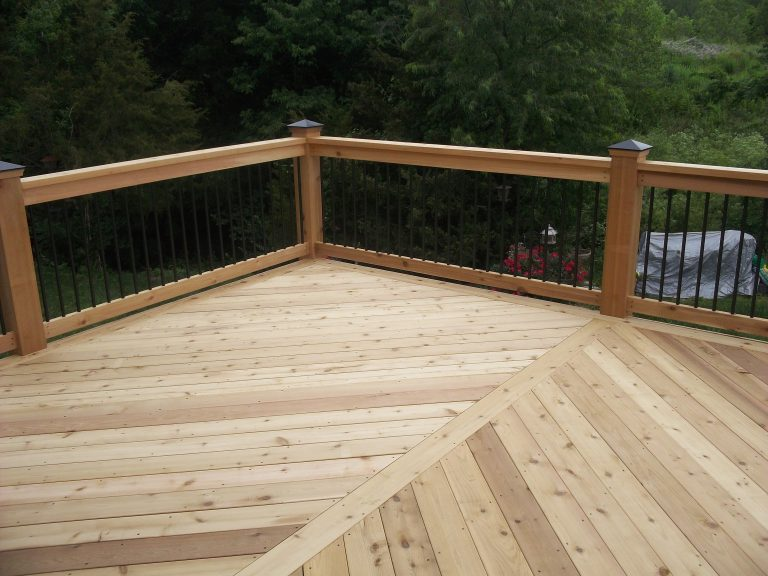Deck / Fence