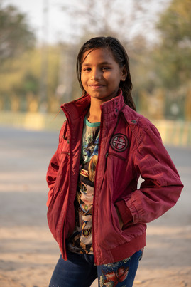 My name is Roshni. I am 10 years old. I study in 1st class and want to become a drawing Teacher when I grow up.