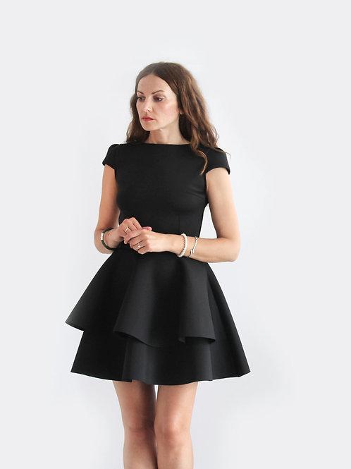 Kleid aus Neopren mit Rückenausschnitt