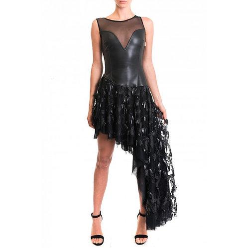 Kleid mit bestickter Tüllrock und asymmetrischenSchnitt