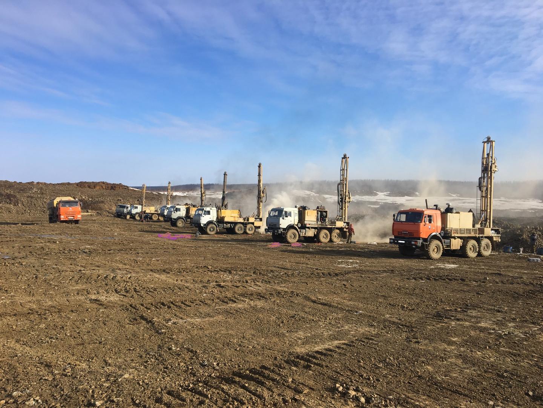 Drilling at dolerite quarry