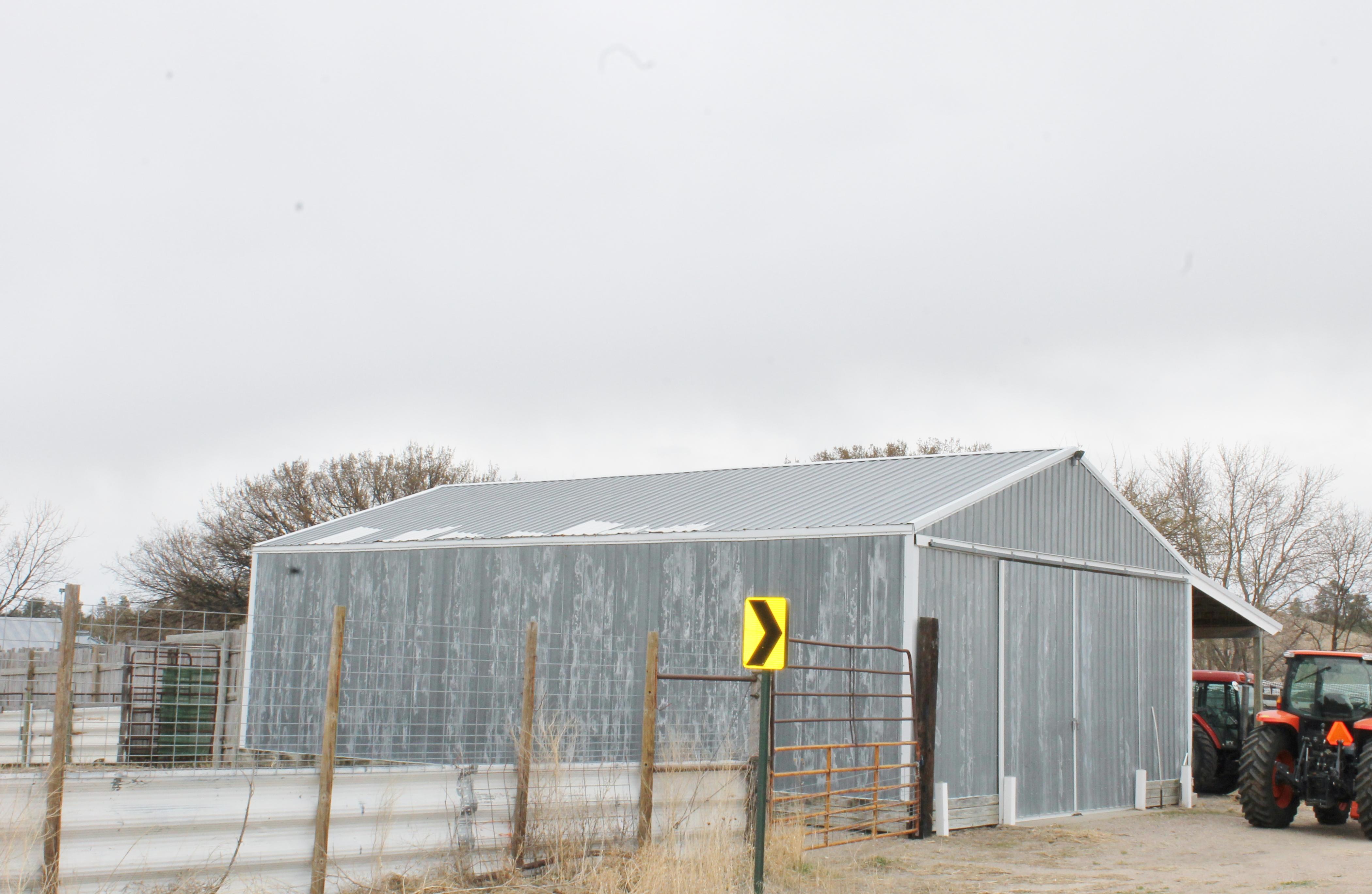 SCA_BW Barn