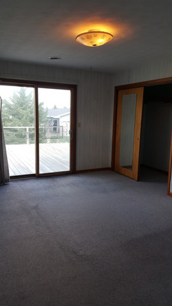 10 Master suite overlooking deck