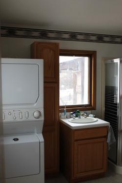SCA_BW laundry and three qtr bath