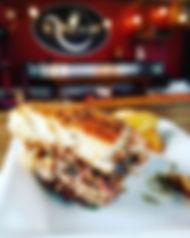 #Mmmm —-_Bientôt de vrais burgers gourme