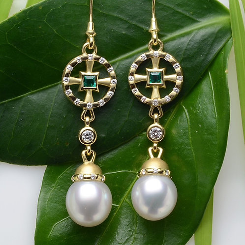 Emerald earrings with White South Sea Pearls and Diamonds