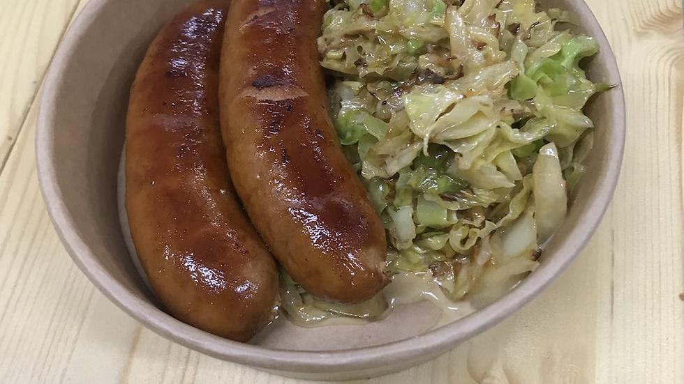 Chorizo with cabbage and cream
