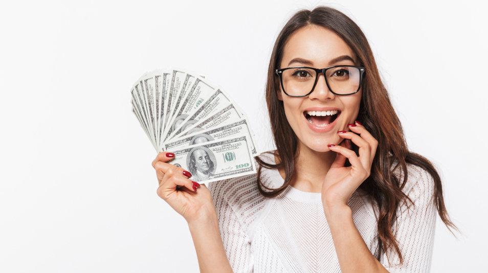 cash-Women-holding-money-.jpg