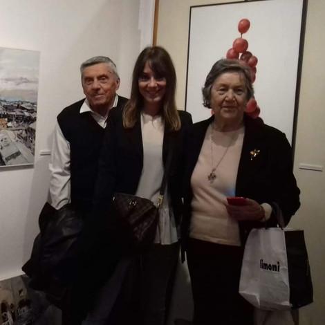 Con mia mamma e mio papà.