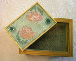 Rose Box (Aspect 2)