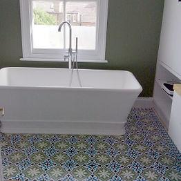 Zementfliesen-grün-badezimmer.jpg