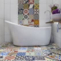 Patchwork-Encaustic-Tiles-in-Bathroom-Lo