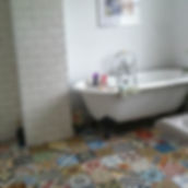 Encaustic-Tiles-Patchwork-Bathroom-UK.jp