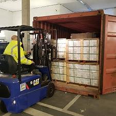 Zementfliesen-Container-Ankunft.jpg