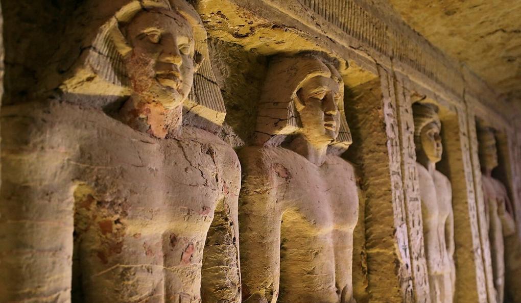 ВЕгипте нашли нетронутую гробницу середины III тысячелетия донашейэры
