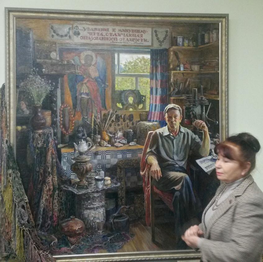На картине - основатель музея Федор Шкля