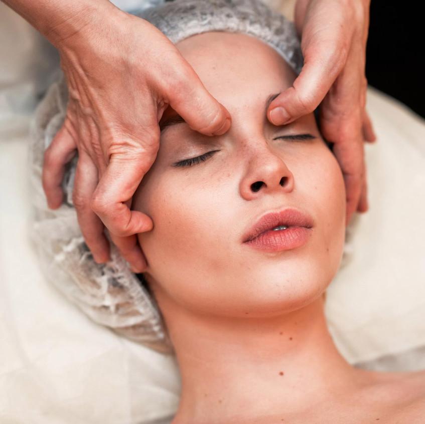 gemolimfodrenazhnyy-massazh-lica