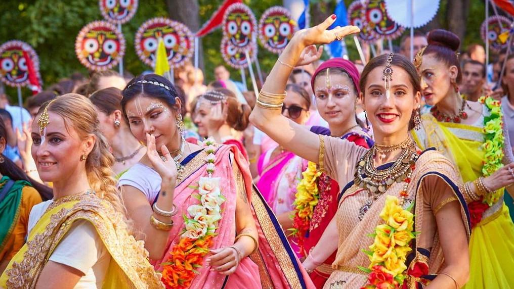 """В парке """"Сокольники"""" можно будет искупаться в Ганге и пожениться по индийскому обычаю"""