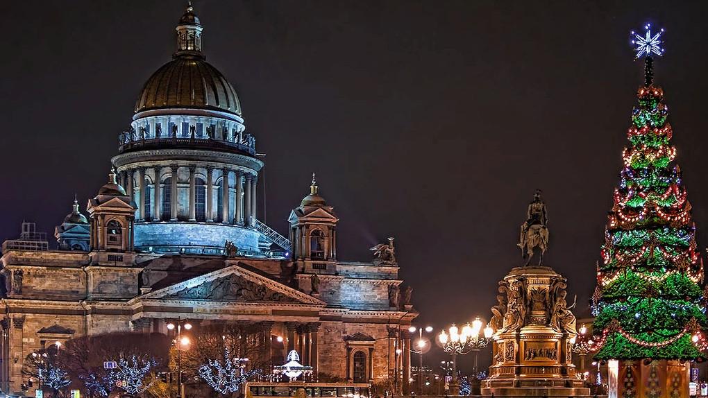 Санкт-Петербург открывает новогодние ворота