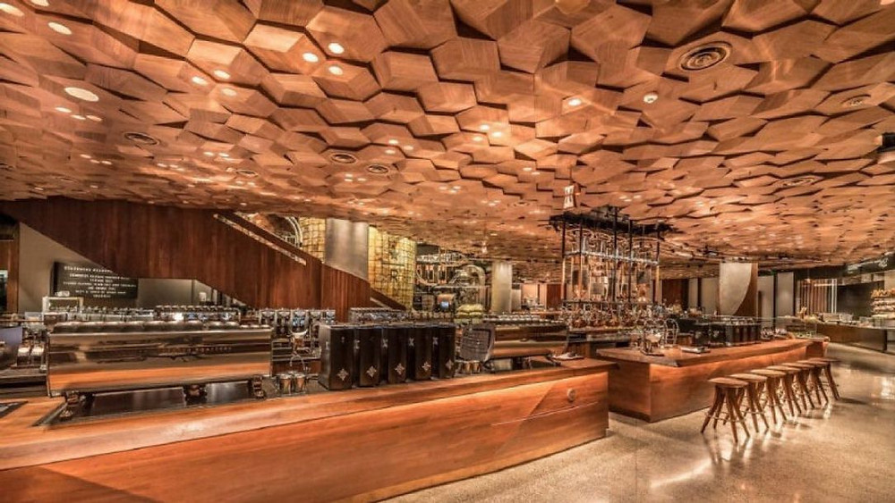 Starbucks opens largest store 2017 in Shanghai.  with augmented reality and 3D-printed tea bar.