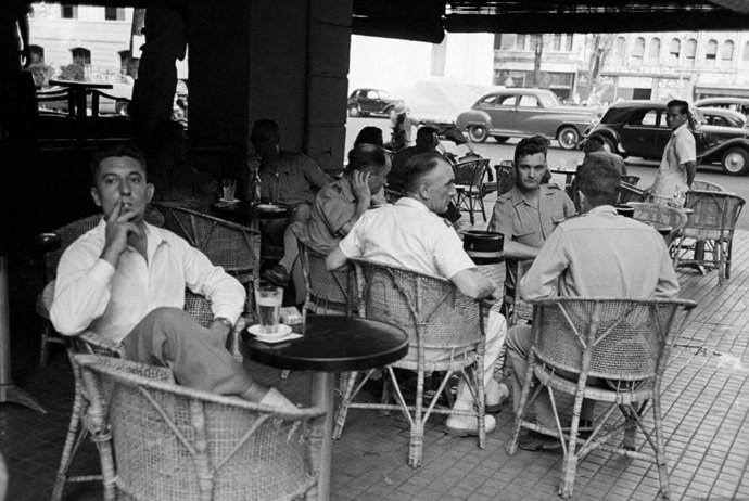 Cafés in Französisch Indochina in den 1950'er Jahren. Die Kaffee Kultur in Vietnam. Blog pascallaube.com