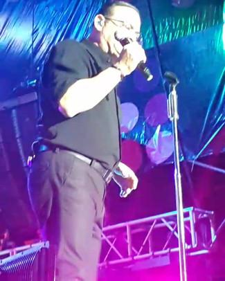 """Gilberto Santa Rosa at """"Suena Caracas"""" Music Festival."""