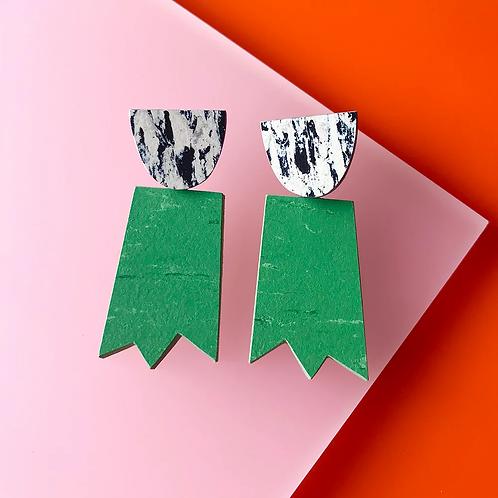 ghost earrings – nettle green black pattern