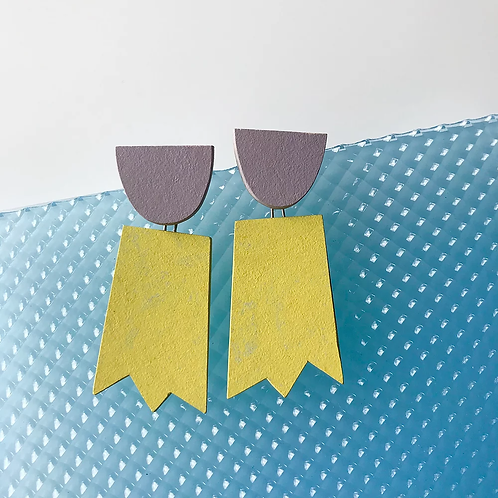 ghost earrings – yellow glow lilac
