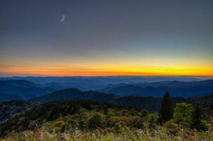 Moon Rising Blueridge Mts