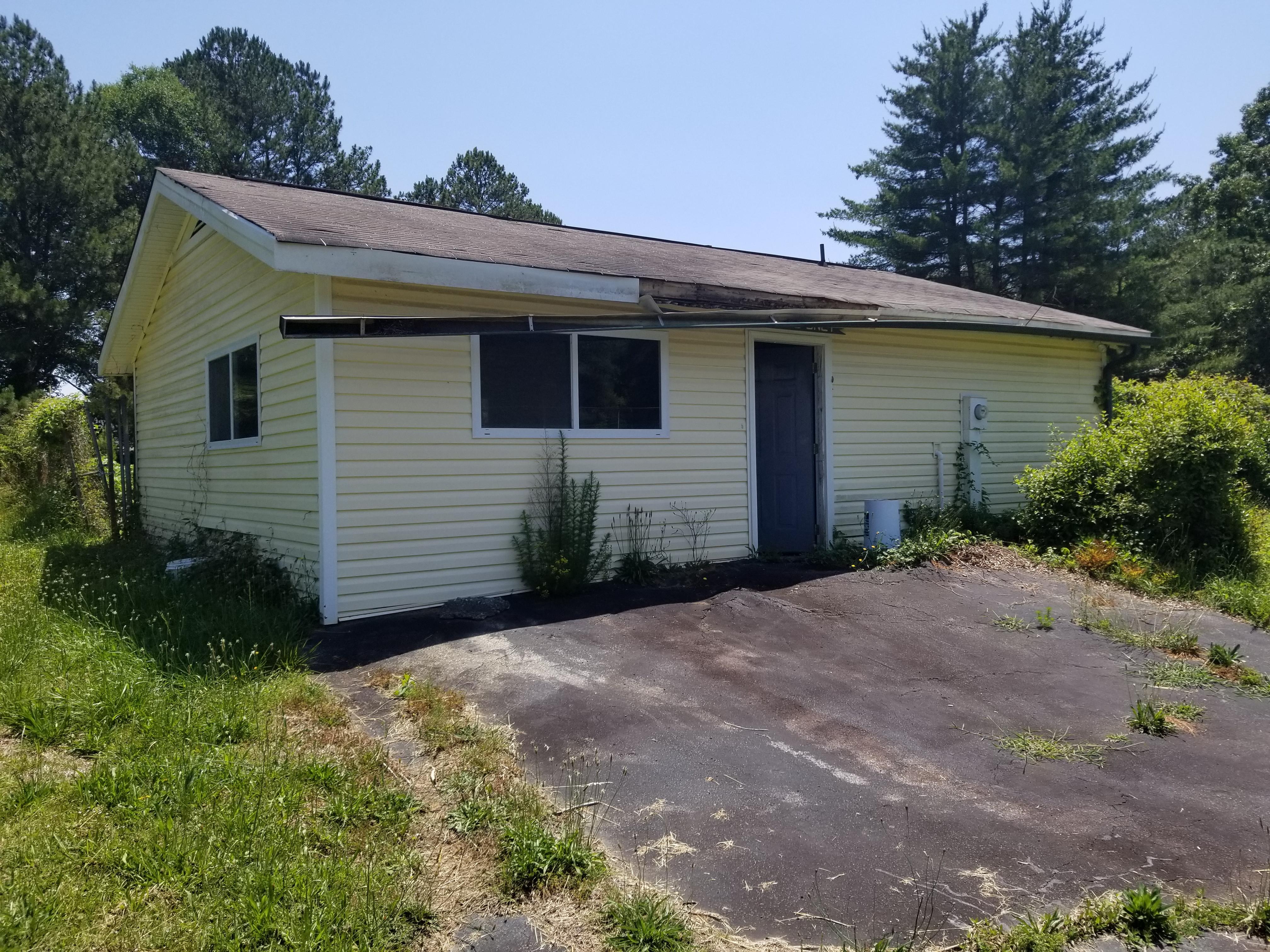 275 Thornton Fayetteville, GA 30214