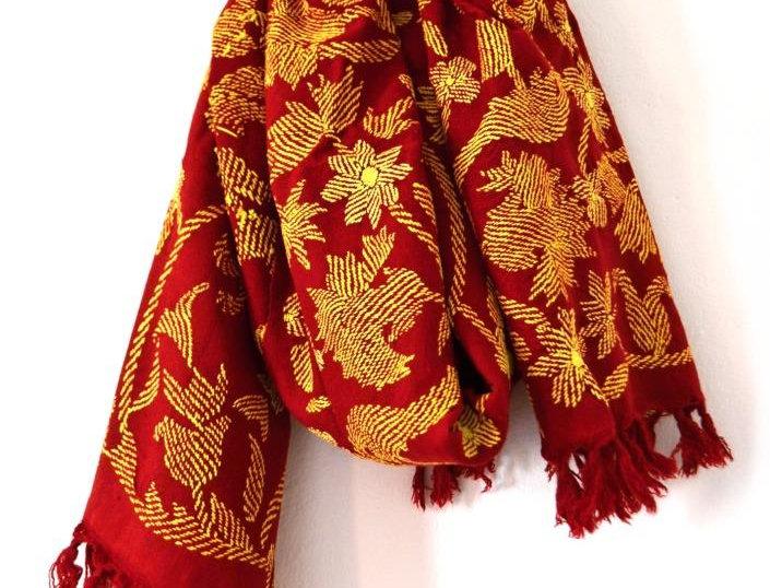 Šátek plamenný