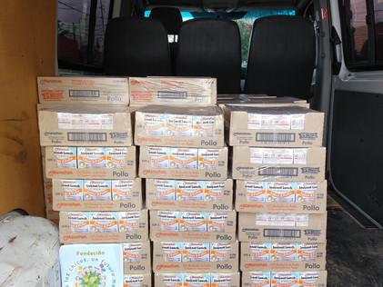 2019, mayo y junio, A varias escuelas les entregamos alimentos deshidratados.