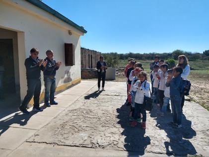 2019 Mayo, en la escuela de La Candelaria, con Germán Muller, presidente de la fundación.